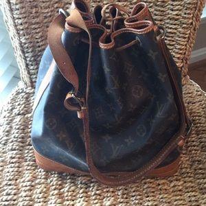 Authentic! Louis Vuitton large bucket handbag